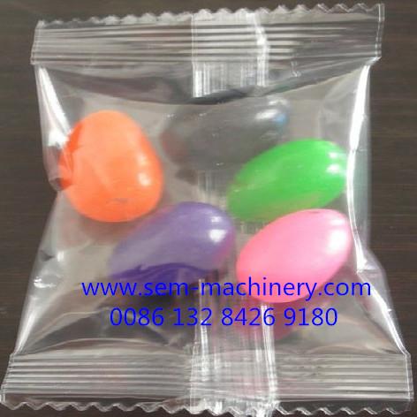 candy gum beans sachet packing machine